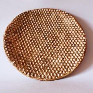 piatto in ceramica fatta a mano Alveare